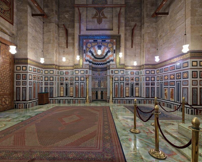 Intérieur de la tombe de Reza Shah de l'Iran, Al Rifaii Mosque Royal Mosque, situé dans l'avant la citadelle du Caire, l'Egypte image libre de droits