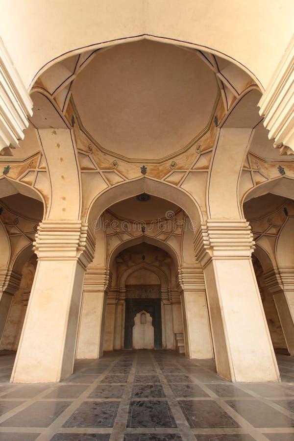 Intérieur de mosquée antique photos stock