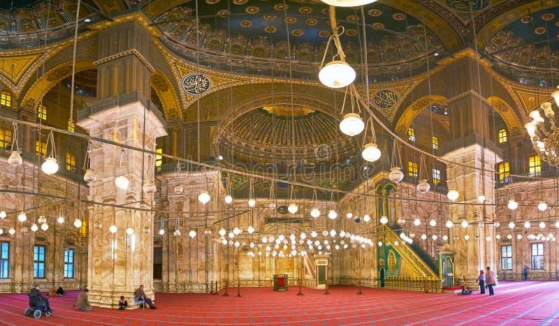 Intérieur de mosquée d'albâtre dans la citadelle du Caire, Egypte images libres de droits