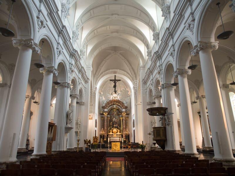 Intérieur de saint Bartholomew Church dans Liège photo libre de droits