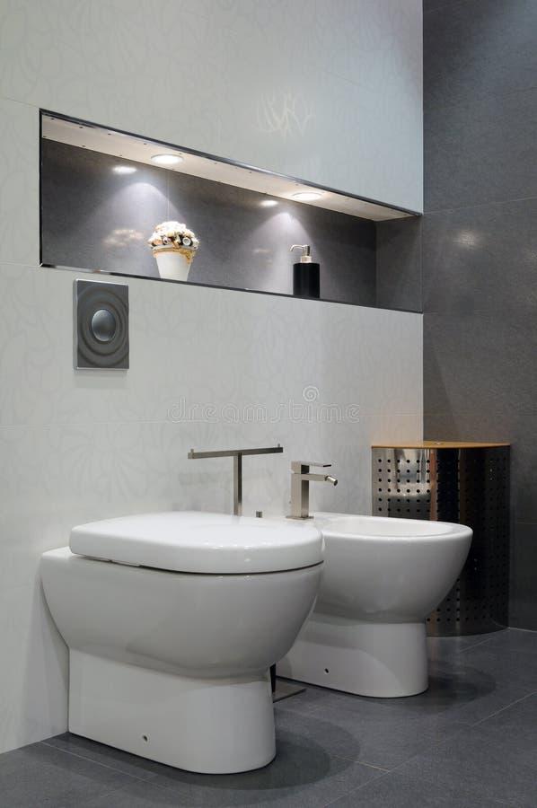 intérieur de salle de bains images stock