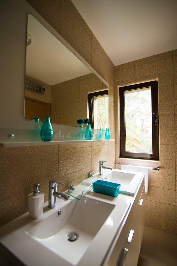 miroir clair salle de bain simple with miroir clair salle de bain good ensemble de salle de. Black Bedroom Furniture Sets. Home Design Ideas