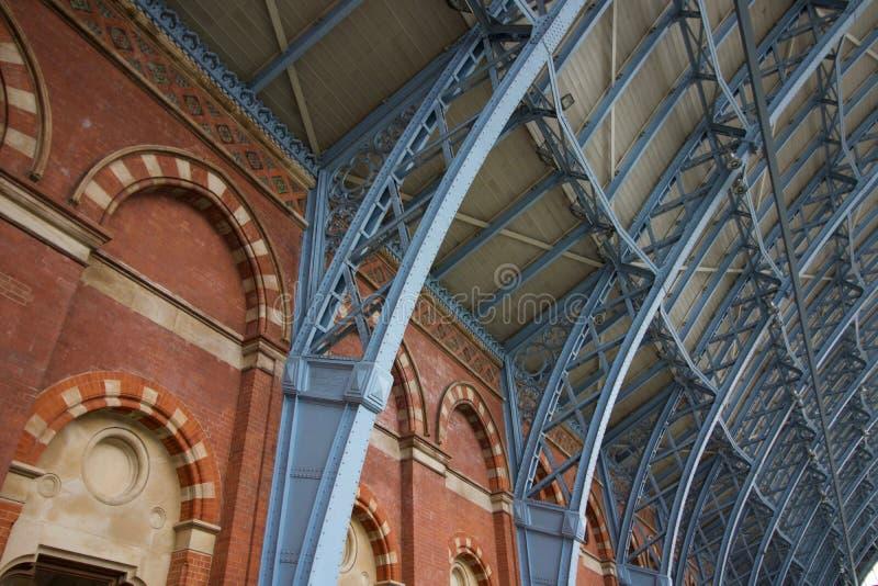 Intérieur de station de Saint-Pancras à Londres, Angleterre - image - 5 mai 2019 photos stock