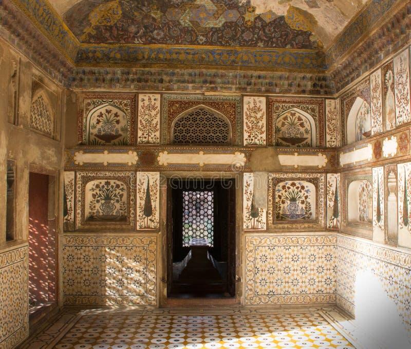 Intérieur de theTomb d'Itimad-ud-Daula à Âgrâ, Inde image libre de droits