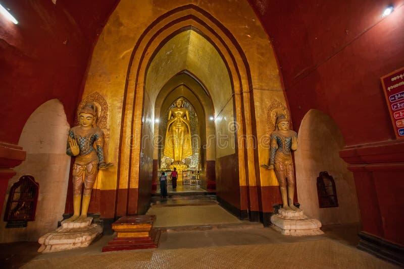 Intérieur des temples antiques dans Bagan, Myanmar photos stock