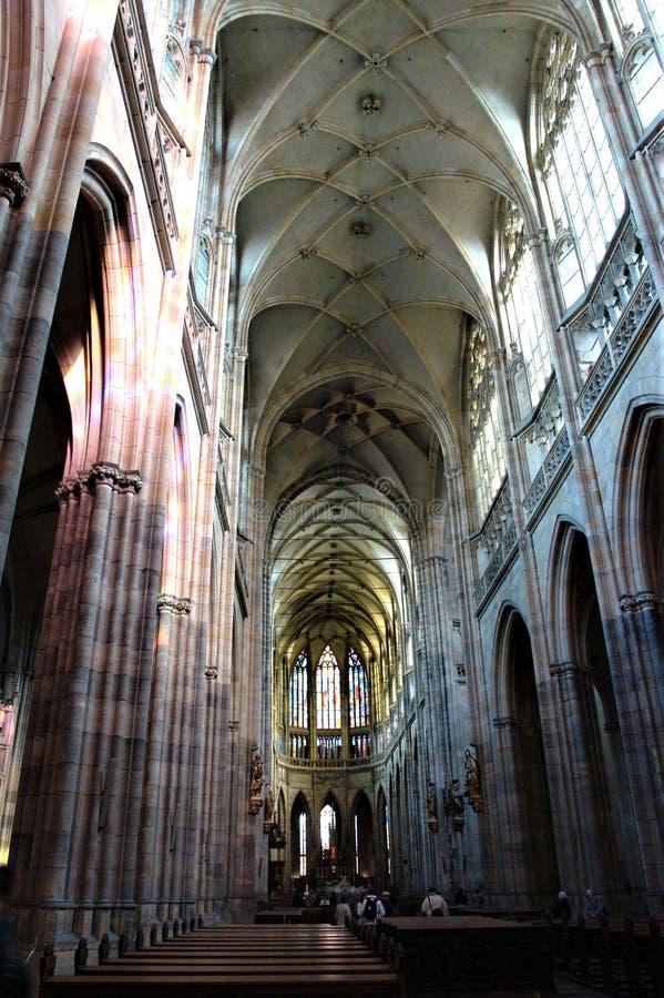 Intérieur du St Vitus Cathedral à Prague images libres de droits