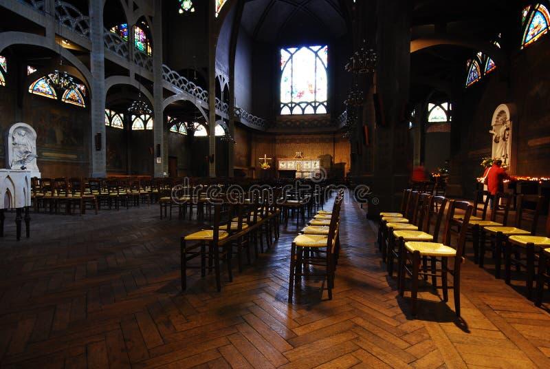 Intérieur historique d'église   image stock