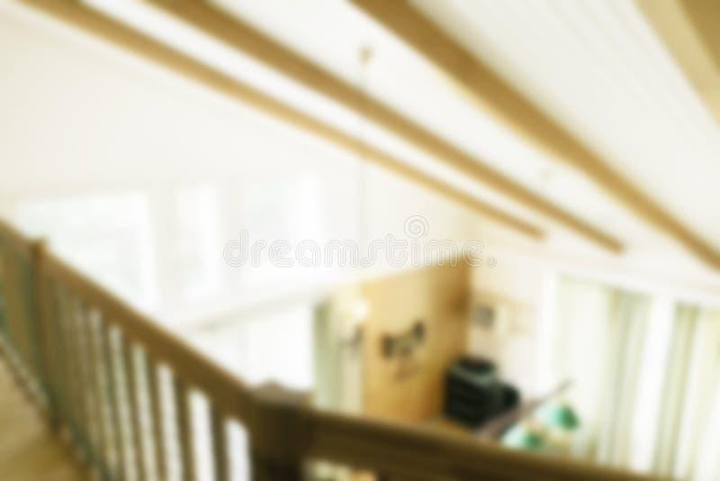 Intérieur luxueux brouillé Fond abstrait de tache floue pour le web design Intérieur léger de Bokeh Image de tache floue d'interi images libres de droits