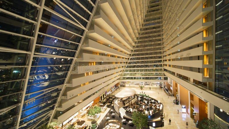 Intérieur luxueux de Marina Bay Sands Hotel images stock