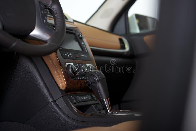 Intérieur moderne d'habitacle de voiture image stock