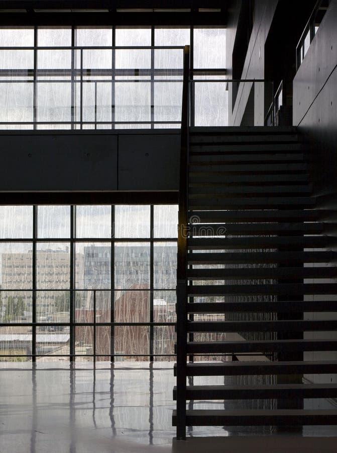 Intérieur moderne de bibliothèque image stock