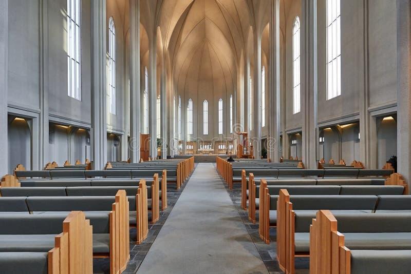 Intérieur moderne de cathédrale photos stock