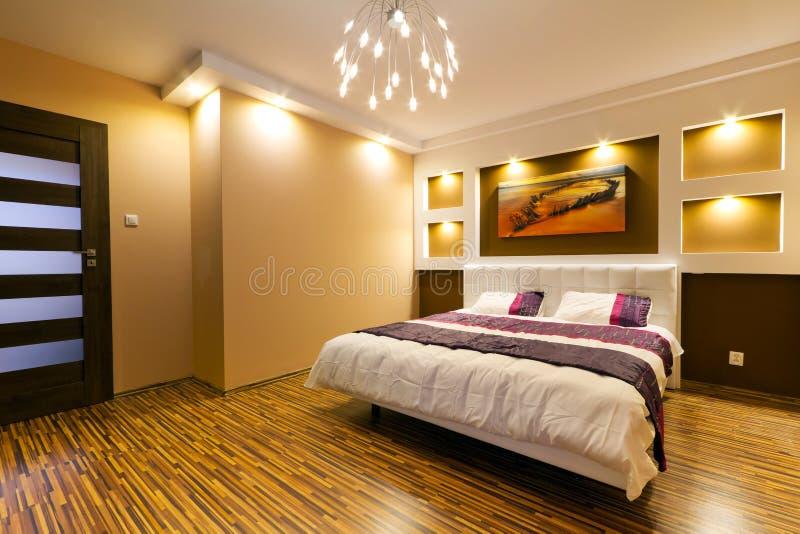 Intérieur moderne de chambre à coucher principale photo libre de droits