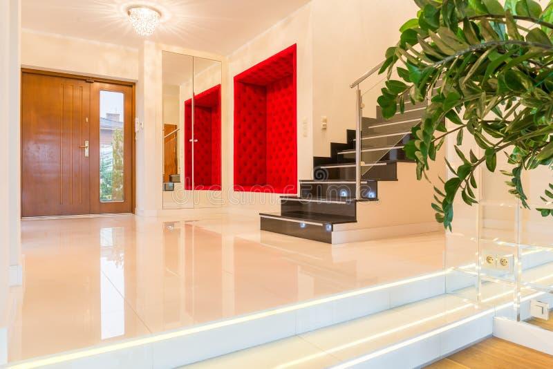 Intérieur moderne luxueux de villa image stock