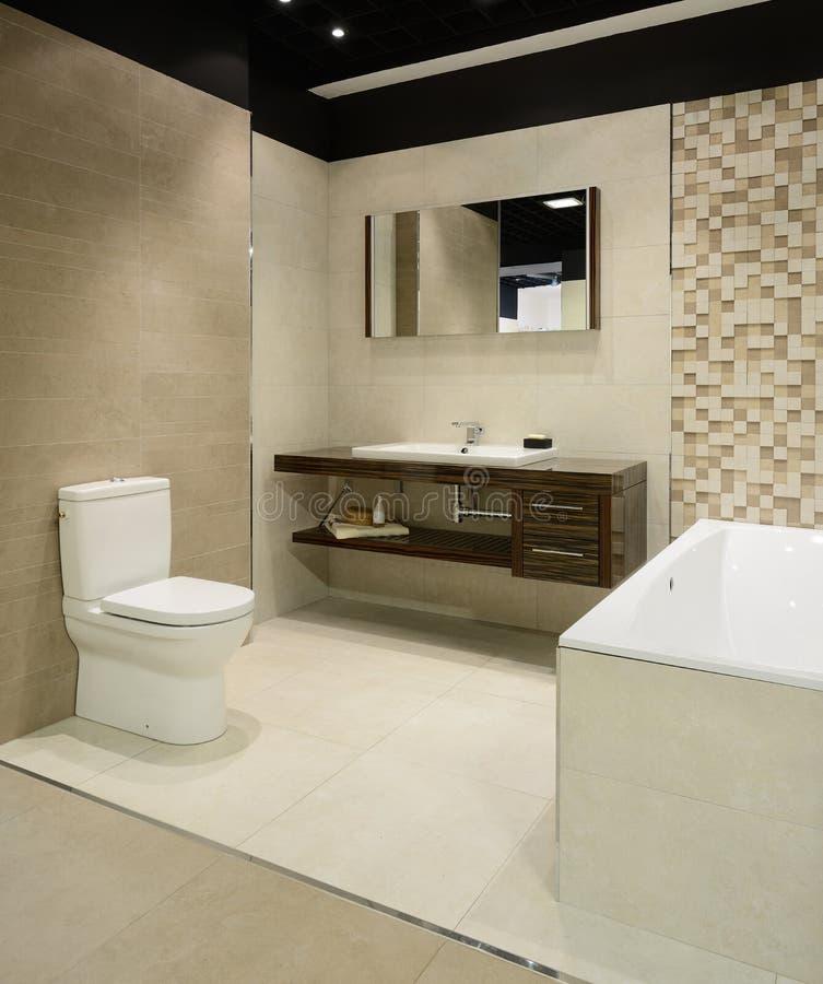 Intérieur moderne. Salle de bain photos stock