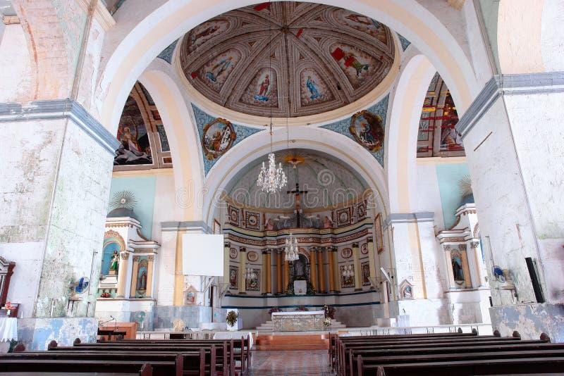 Intérieur philippin historique d'église photo libre de droits
