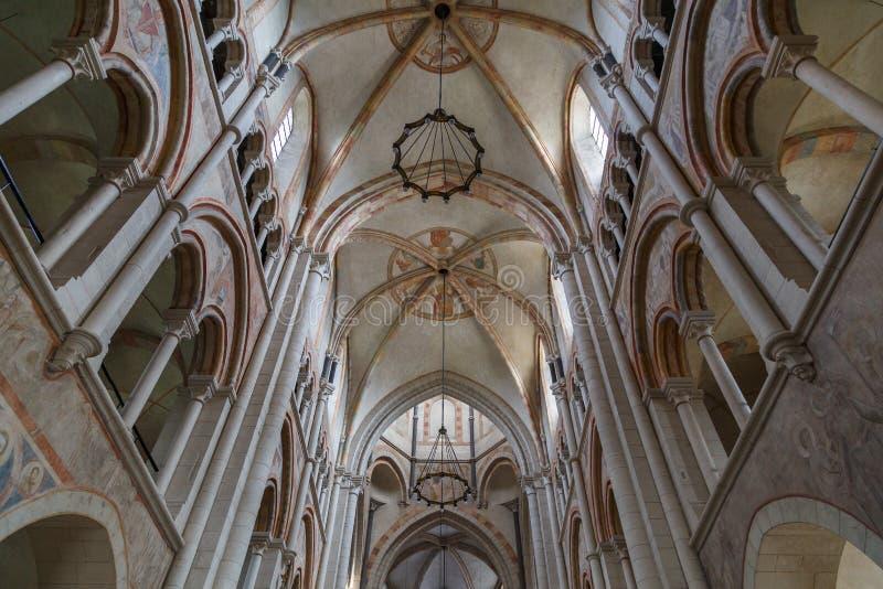 Intérieur roman d'église, Limbourg, Allemagne photo stock