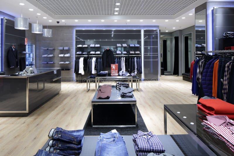 Intérieur tout neuf de magasin de tissu photo libre de droits