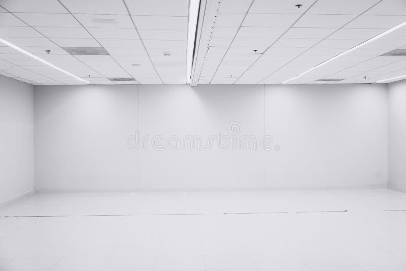 Intérieur vide de l'espace de pièce propre blanche de bureau photographie stock libre de droits