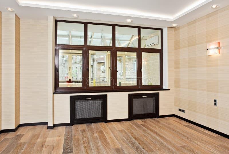 Intérieur vide de salle de séjour dans le type moderne photo stock