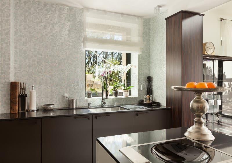 Intérieurs, cuisine moderne images stock