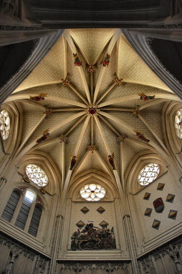 Intérieurs de cathédrale photographie stock libre de droits