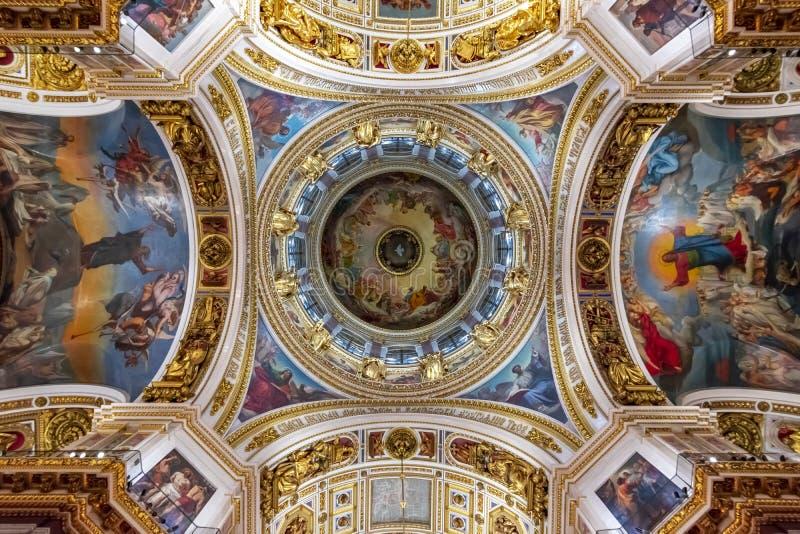 Intérieurs de cathédrale de St Isaac, St Petersbourg, Russie image stock