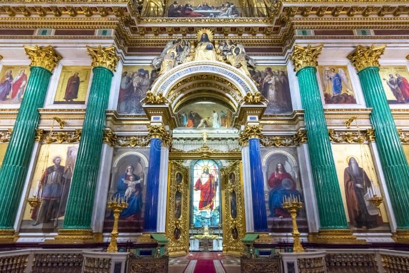 Intérieurs de cathédrale de St Isaac, St Petersbourg, Russie photos stock