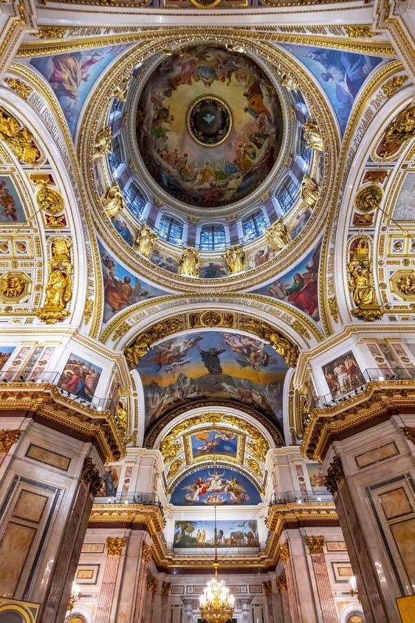 Intérieurs de cathédrale de St Isaac, St Petersbourg, Russie photographie stock