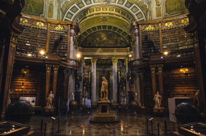 Intérieurs de l'état Hall de la Bibliothèque nationale autrichienne photo stock