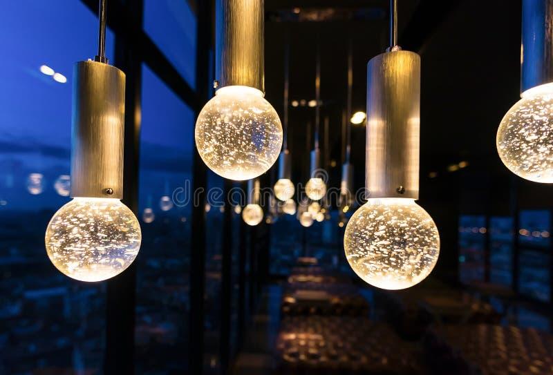 Intérieurs de luxe de lumière de lustre image libre de droits