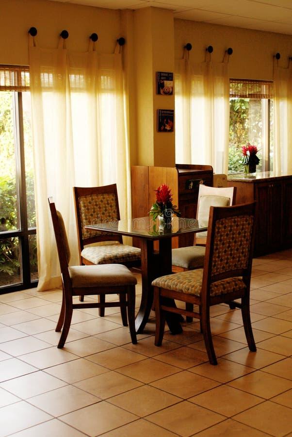 Intérieurs de restaurant d'hôtel image libre de droits