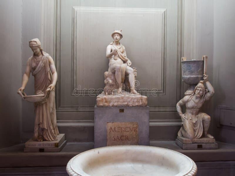 intérieurs et petits groupes architecturaux de Vatican images libres de droits
