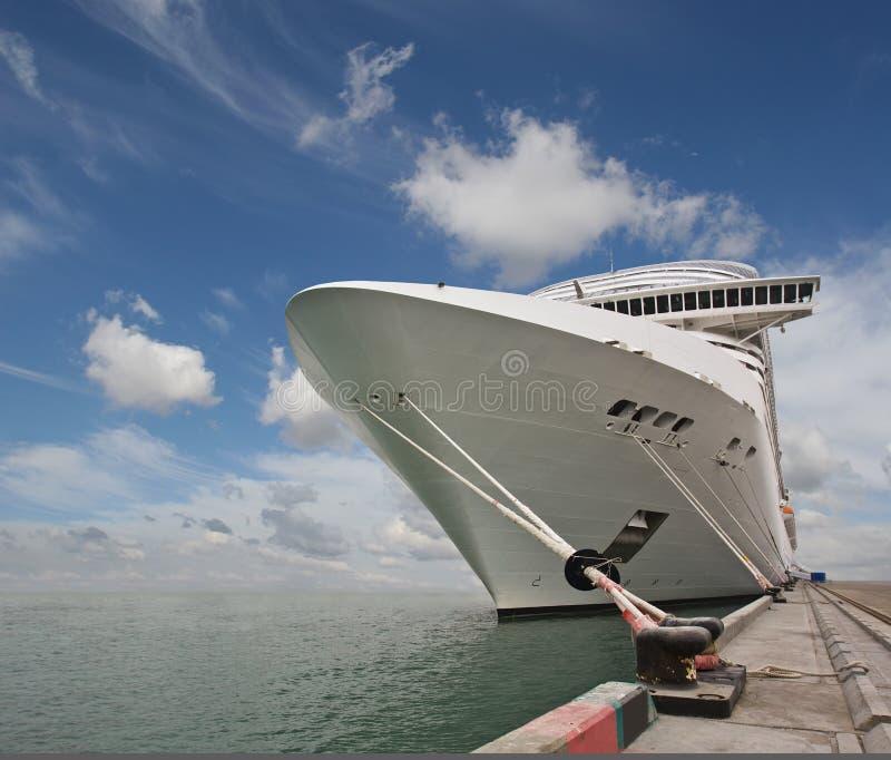 Intérieurs et reste magnifiques sur la vitesse normale le bateau photographie stock libre de droits