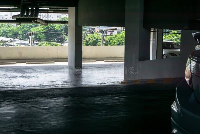 Int?rieur vide de parking de l'espace au bureau image libre de droits