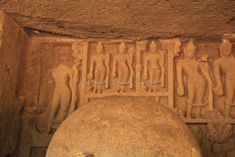 Intarsj rzeźby w Buddyjskiej jamie obraz stock