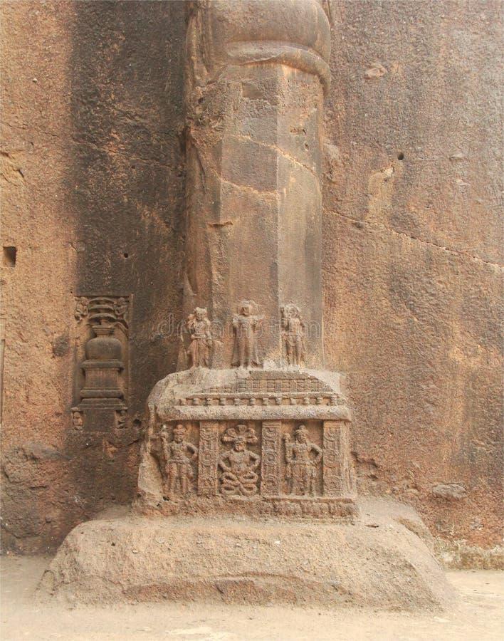 Intarsj rzeźby w Buddyjskiej jamie obrazy stock