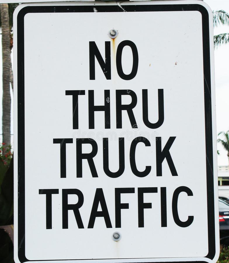 Inte till och med lastbiltrafik royaltyfri fotografi