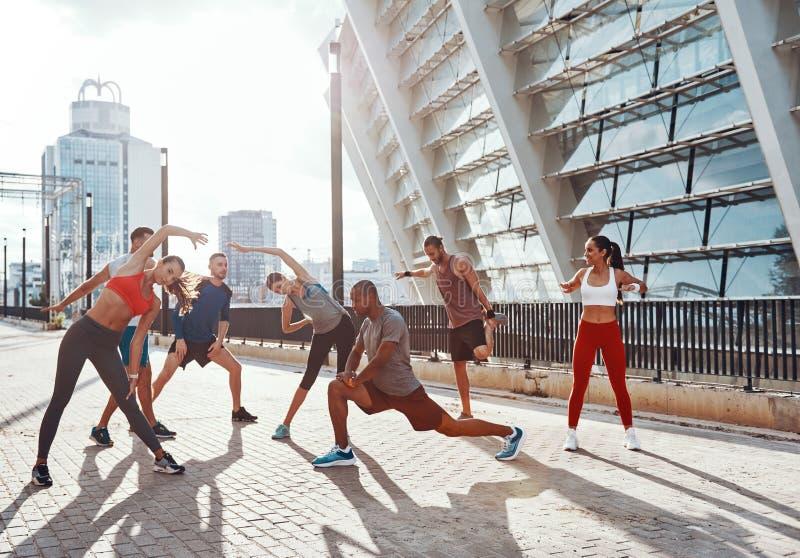 Integrale della gente in abbigliamento di sport fotografia stock