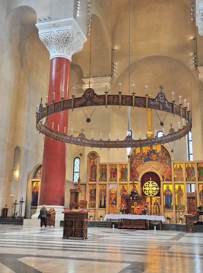 Inteiror de la iglesia de Savva del santo en Belgrado fotografía de archivo