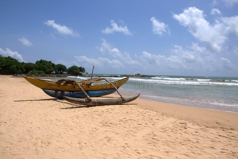 Intelaiatura di base della gru alla spiaggia di bentota - Alla colorazione della spiaggia ...