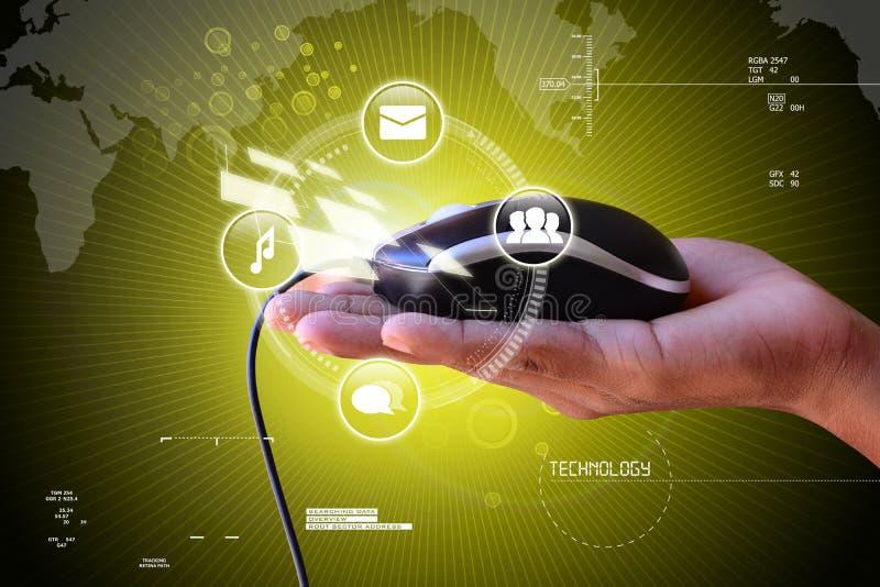 Intelligente Hand, die Maus hält lizenzfreies stockfoto