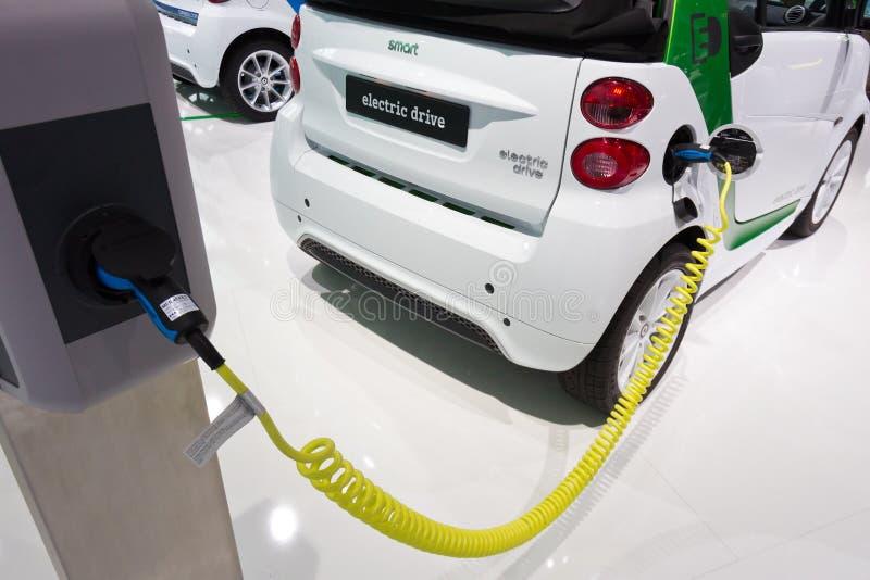 Intelligenter Auto Elektroantrieb lizenzfreie stockbilder