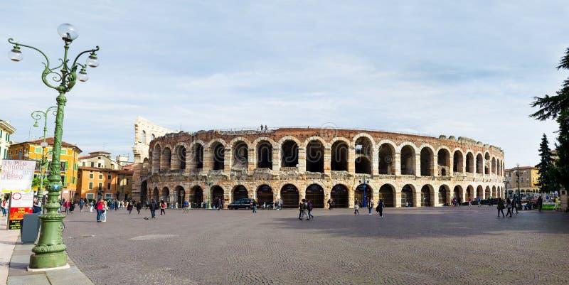 Intera arena Verona, anfiteatro romano, foto panoramica fotografia stock