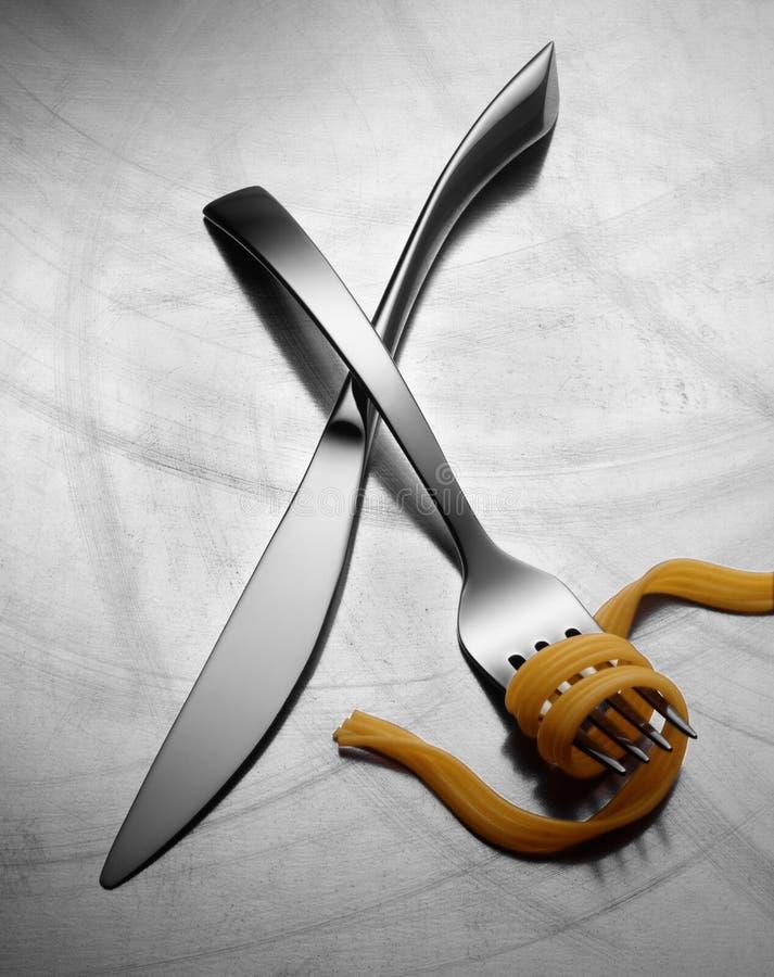 Interazione del coltello e delle gente fotografie stock