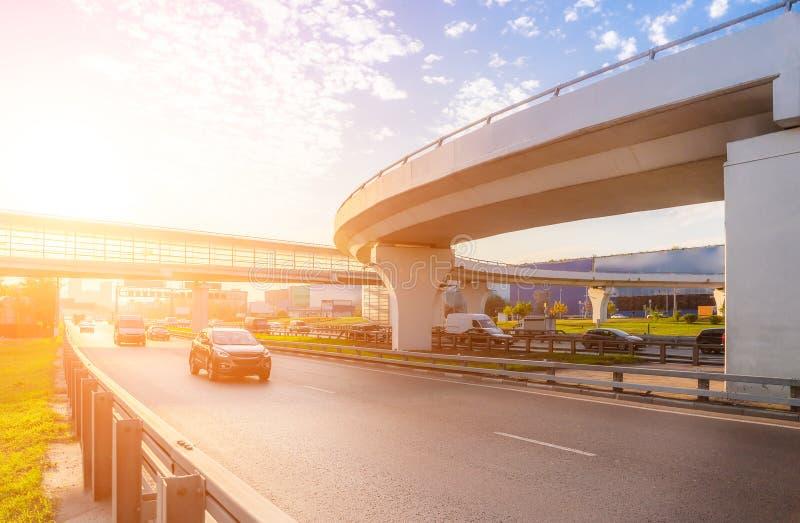 Intercâmbio da estrada com ponte imagens de stock