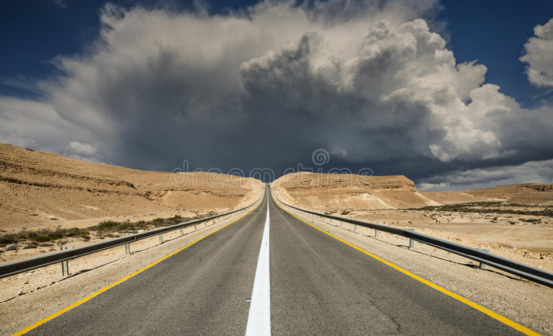 Intercity road in desert of the Negev stock photography