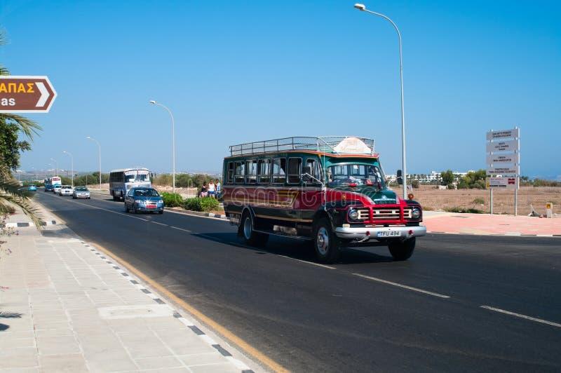 Intercitybusservice an der Insel von Zypern lizenzfreies stockfoto