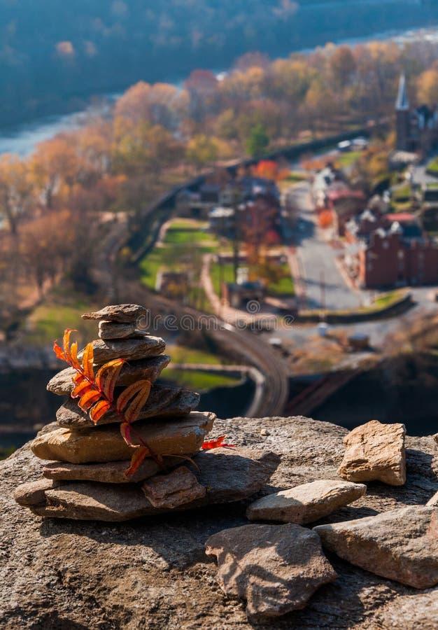 Interessante bouw van rotsen op de Hoogten van Maryland, boven de Veerboot van Harper, West-Virginia stock fotografie