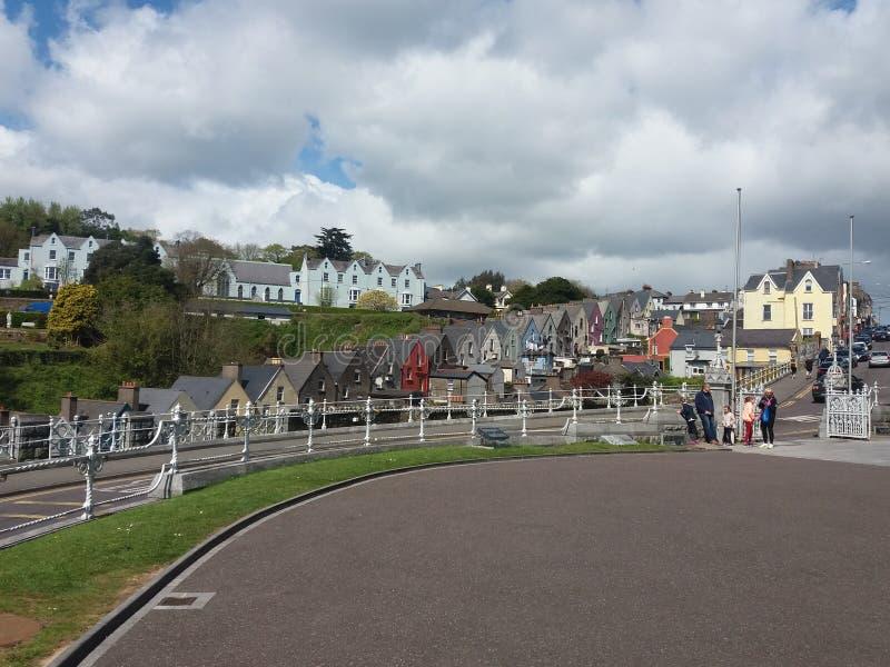 Interessante kleurrijke huizen in Cobh, Ierland royalty-vrije stock afbeeldingen